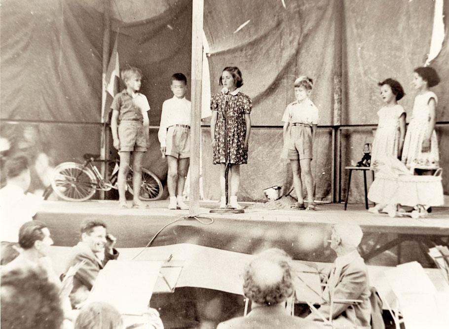 la fête de l'école du hameau vers 1950 (Archives P. Faraud)