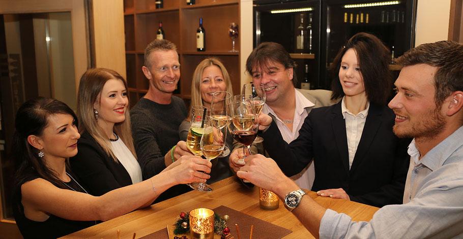 Wein passt in der Horner Weinbar logischerweise zu allen Anlässen ...