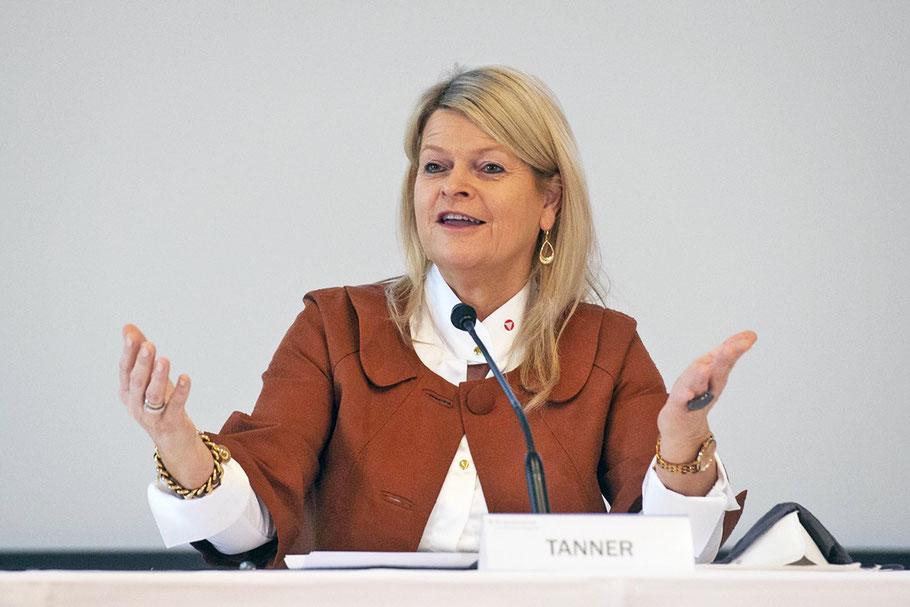 BM Klaudia Tanner bei der Pressekonferenz, Bild: © Bundesheer/Pusch
