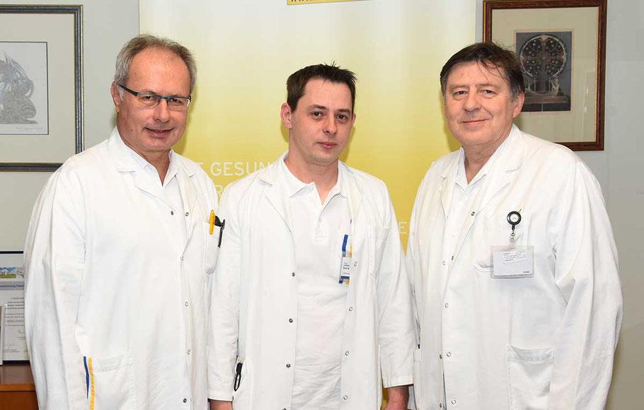 Ärztlicher Direktor Martin Breitenseher, OA Julian Brand (Facharzt für Orthopädie und Traumatologie), Prim. Thomas Neubauer (Abteilungsvorstand Unfallchirurgie, v. li.)