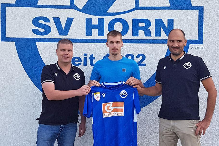 Sportdirektor Reinhard Vyhnalek, Patrik Eler, Geschäftsführer Andreas Zinkel