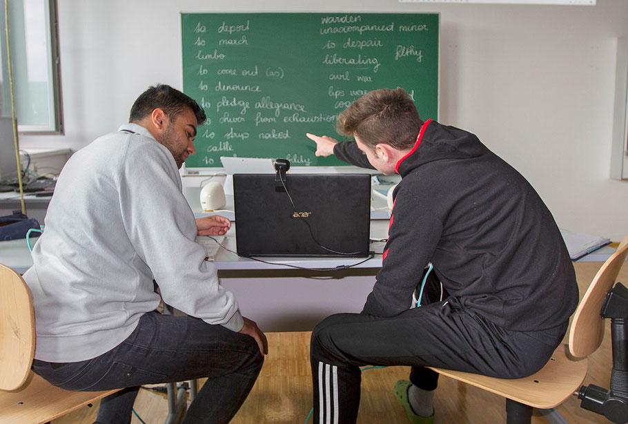 """Das Notebook ist """"eingerichtet"""" - damit kann der Unterricht auch zu Hause beginnen."""
