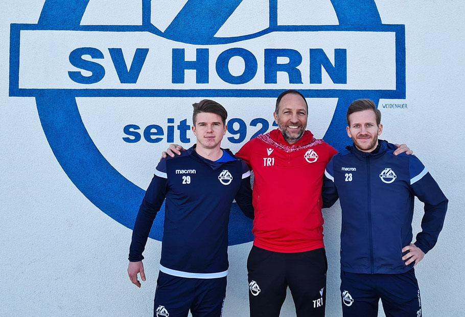 Viktor Winter, Trainer Alexander Schriebl, Andree Neumayer (v. l.), Bild: © zVg/SV Horn