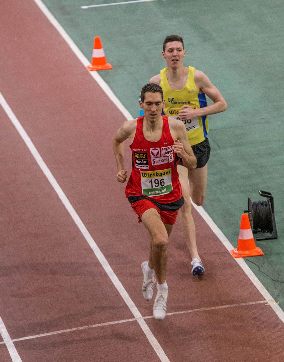 Andi heute beim 1500m Rennen ca. 100m vor dem Ziel, wo er das Feld zu überrunden begann.