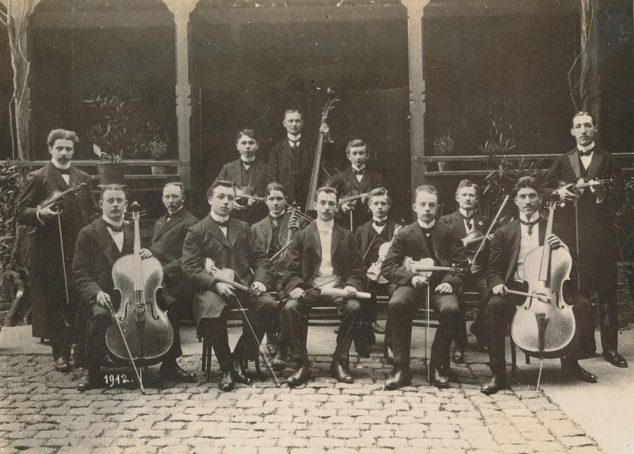 Streich-Orchester-Vereinigung beim 2. Stiftungsfest am 21. April 1912 - Hotel Kaiserhof