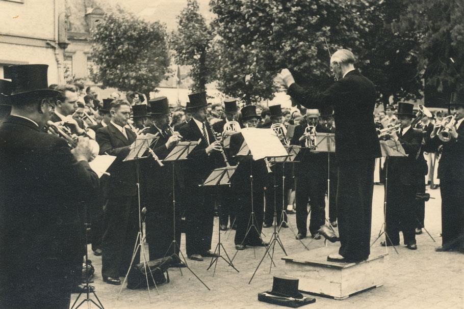 Fronleichnam 1952: Platzkonzert auf dem Markt