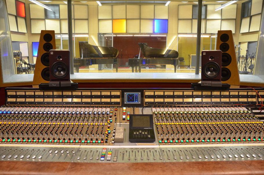 Gabriel Recording - grosse Tonregie mit 46 m2 - Biggest Recording Studio in Switzerland- Largest Recording Studio in Switzerland