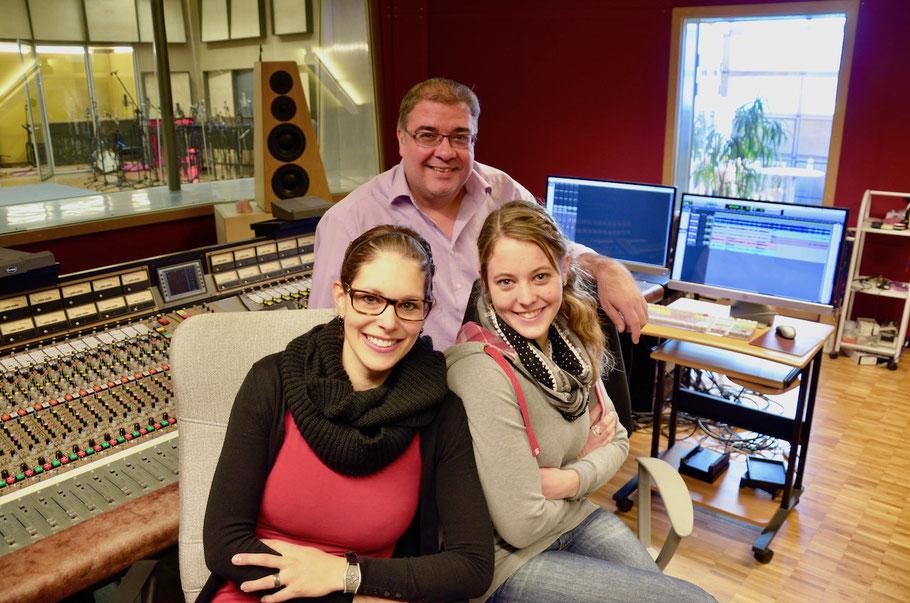 Schüpferi Meitli mit Produzent Tommy Mustac - Biggest Recording Studio in Switzerland