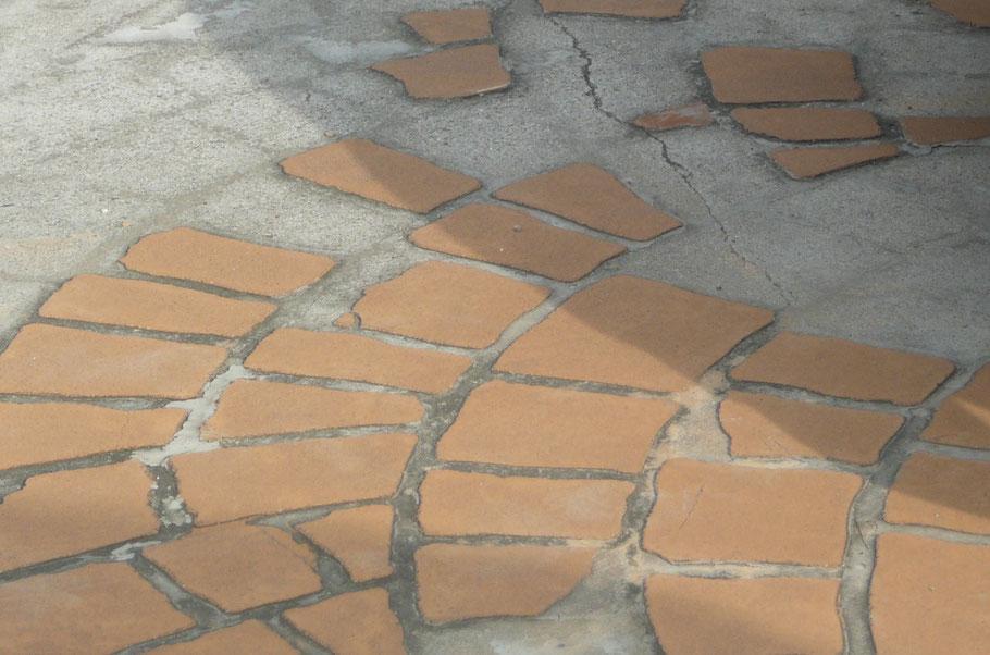 デメリット失敗劣化剥がれはがれ色落ち色褪せ耐久性経年変化剥げない はげない色剥げ色はげデザインコンクリートスタンプコンクリートファンタジーコンクリートステンシルコンクリートモルタル造形お洒落おしゃれ