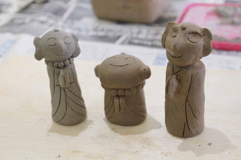 お地蔵さまを作る陶芸体験。皆さん個性的な作品を作られました。
