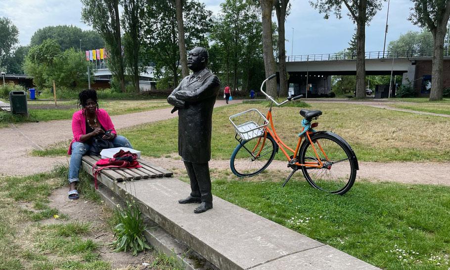 MLK Park is great place for a meetup, with Glenda Vijzelman, June, 2021