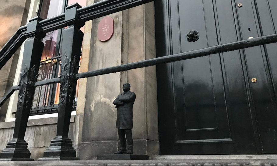 In front of Museum van Loon