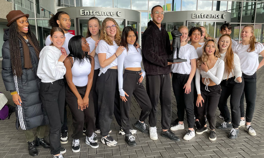 On May 21, 2021, dancers of ROC Amsterdam received one of the statues, on the Day of Empathy Amsterdam South.