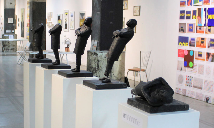 5 vandalized statues on view at Popinnart, Amsterdam, April 2019
