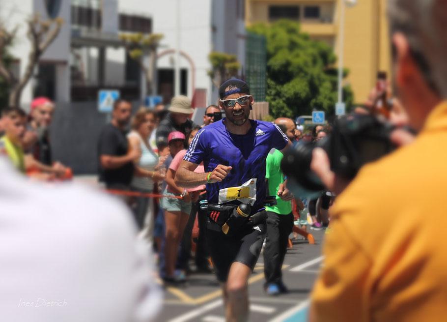 Luis Alberto Hernando Alzaga, ganador masculino 2015 del Ultramaratón Tranvulcania
