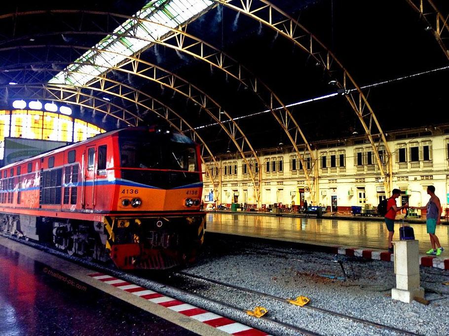 Hua Lamphong Railway Station - Bangkok - Thailand