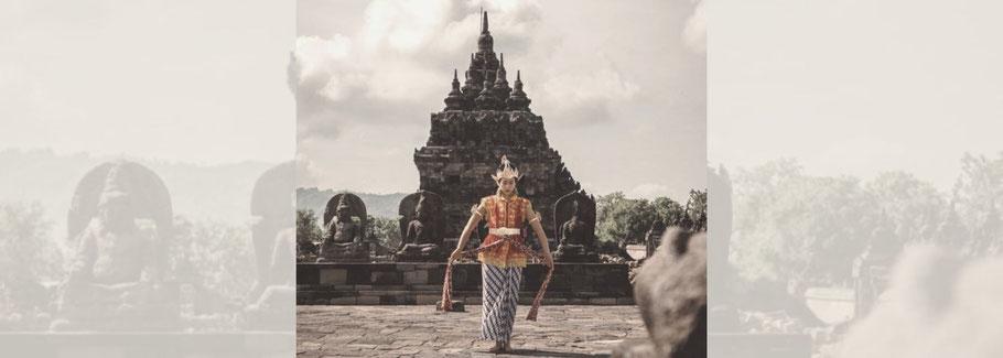 "Lara dancing the Javanese dance ""Nawung Sekar"" at a temple in Yogyakarta, Indonesia"