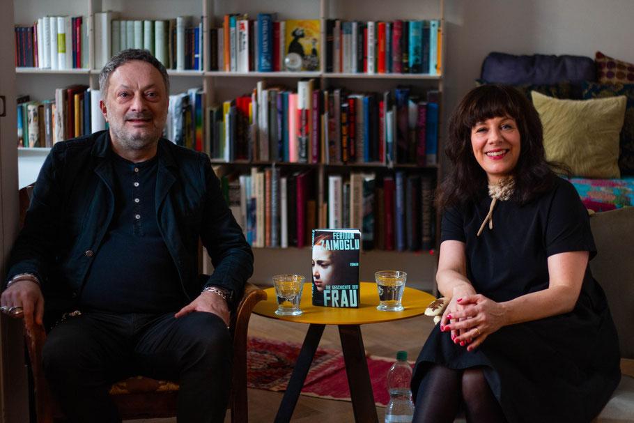Author Feridun Zaimoglu and moderator Natascha Geier, book club festival, leseclub, hamburg. Die Geschichte der Frau