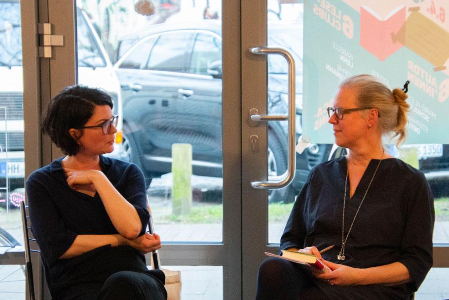 Author Isabelle Lehn, moderator Isabel Bogdan, Frühlingserwachen, book club, leseclub festival, hamburg
