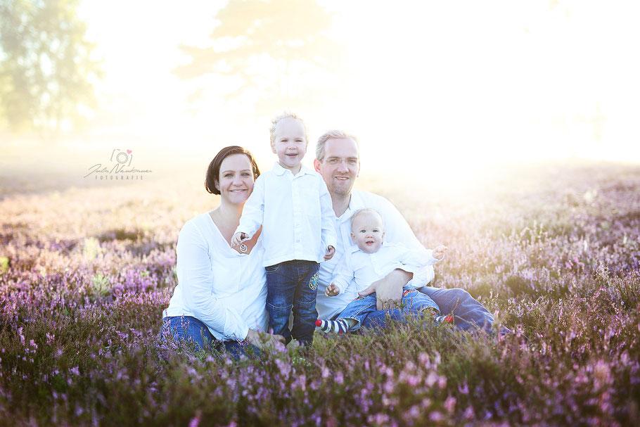 Recklinghausen_Portrait_Kind_Kinder_Geschwister_Familie_Fotografin Julia Neubauer