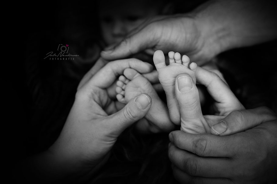 Neugeborenes_Newborn_Baby_Füße_Fotografin Julia Neubauer_Recklinghausen