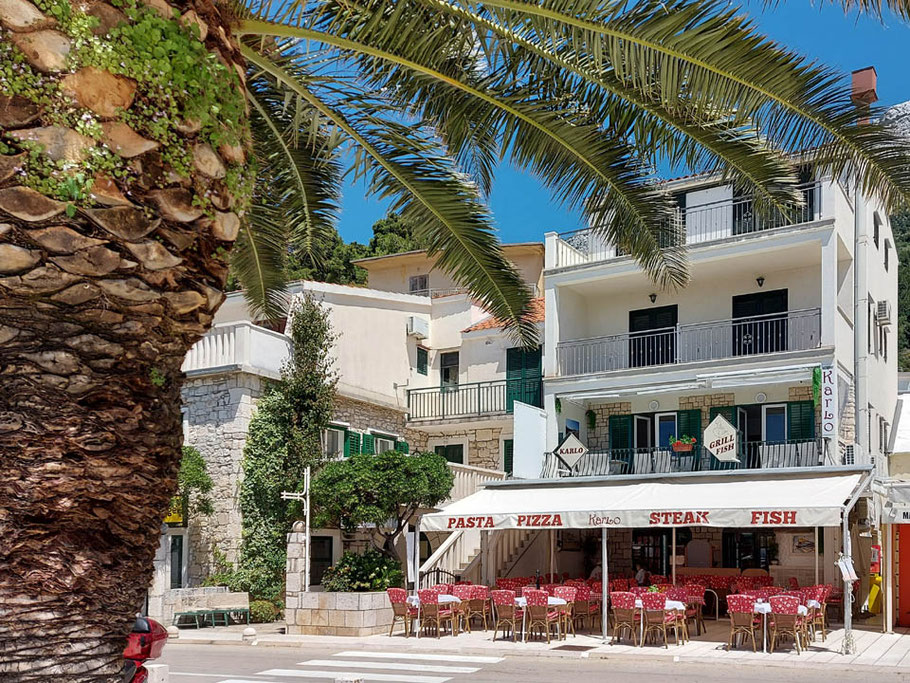 MAG Lifestyle Magazin Urlaub Reisen Kroatien Dalmatien Makarska Riviera Baska Voda Restaurant Karlo Fisch Steak Pasta Pizza dalmatinische Spezialitäten Restaurants