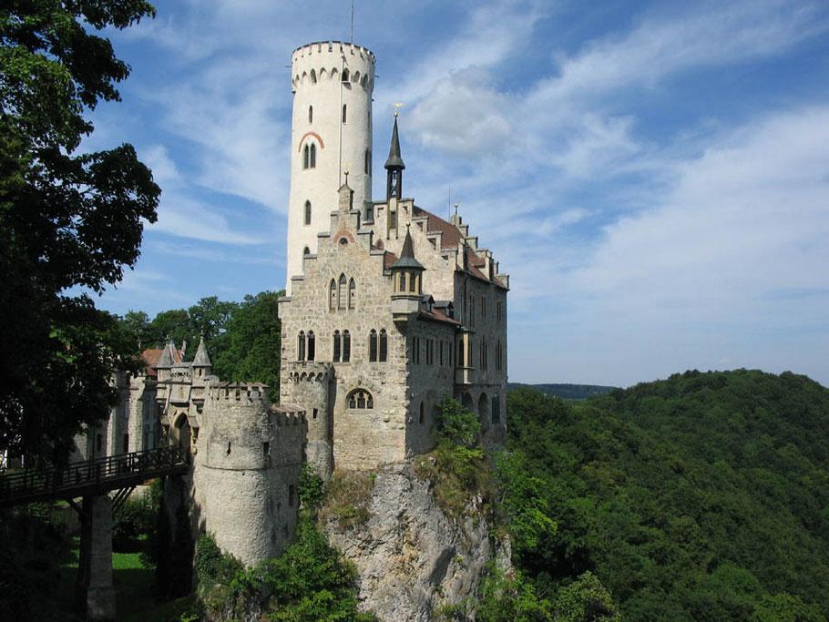 Schloss Lichtenstein & Wilhelm Hauff Museum, Märchenschloss Württemberg,  Schwäbische Alb, Herzog von Urach, Wilhelm Hauff Museum, Märchenfilm Dornröschen