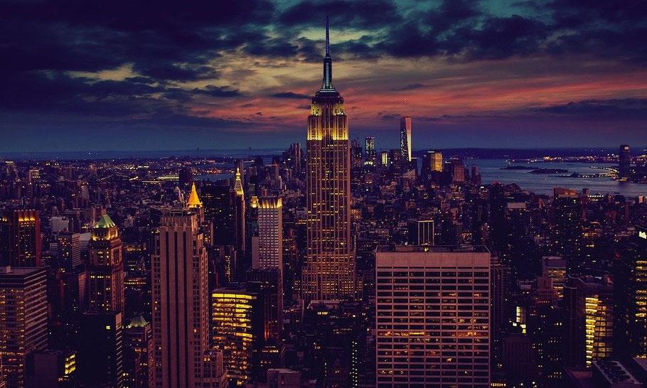 MAG Lifestyle Magazin Reisen Urlaub USA New York Advent Weihnachten Weihnachtszeit Empire State Building Fernreisen Flugreisen