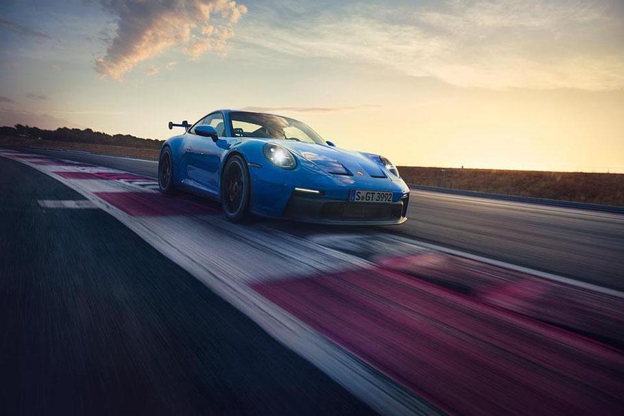 MAG Lifestyle Magazin Auto Motor Sport Motorsport Porsche 911 GT3 Sportwagen Videoclip Nürburgring Nordschleife