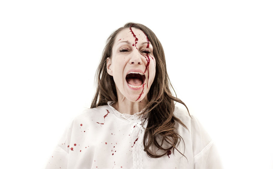 Kathrin Höhne in WEISS Blut und Shakespeare von Carolina Rath