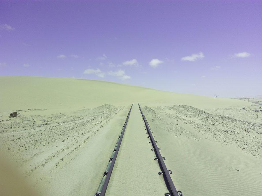 Zugverkehr ist erst mal unterbrochen ;-)