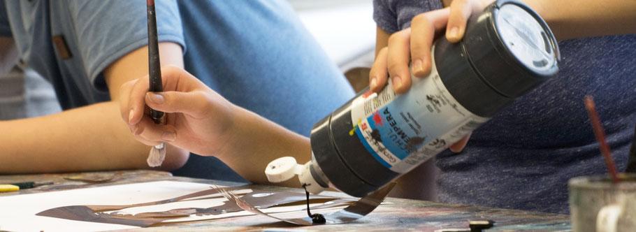 LichtwarkSchule: Qualifizierungen. Farbflasche. Foto: Reimar Palte