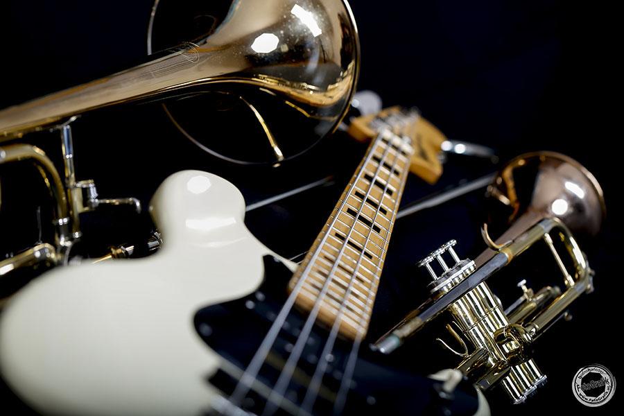 Meine Ibanez ist über 40 Jahre alt und rockt noch immer!  Falls auch du solche Bilder von oder mit deinen Instrumenten haben willst: mein Fotostudio hat sicher einen Termin frei! Schreib mir einfach unter Kontakt.