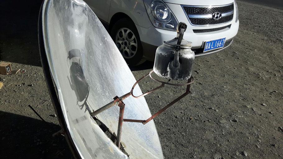 Parabolspiegel zum Erhitzen von Wasser