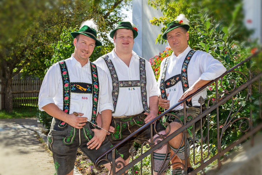 Vostandschaft der Musikkapelle Söchering 2. Vorstand: Albert Nagl, Dirigent: Albert Guggemoos, Vorstand: Leonhard Ressler