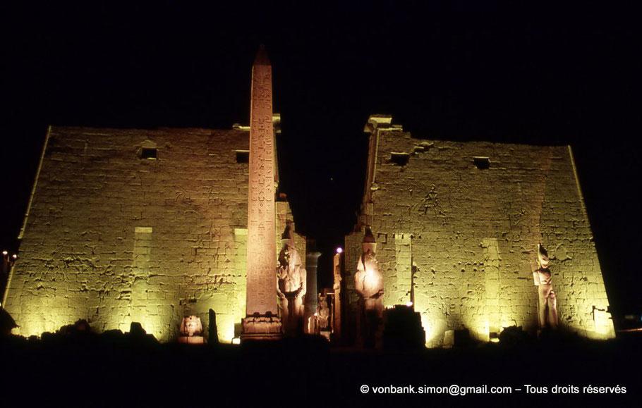 Louxor - Temple d'Amon-Rê - Obélisque - Pylône - Statues - Ramsès II
