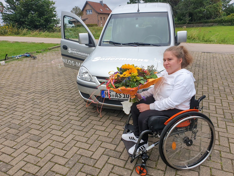 Luisa Müller mit unseren Grenzenlos Mobil