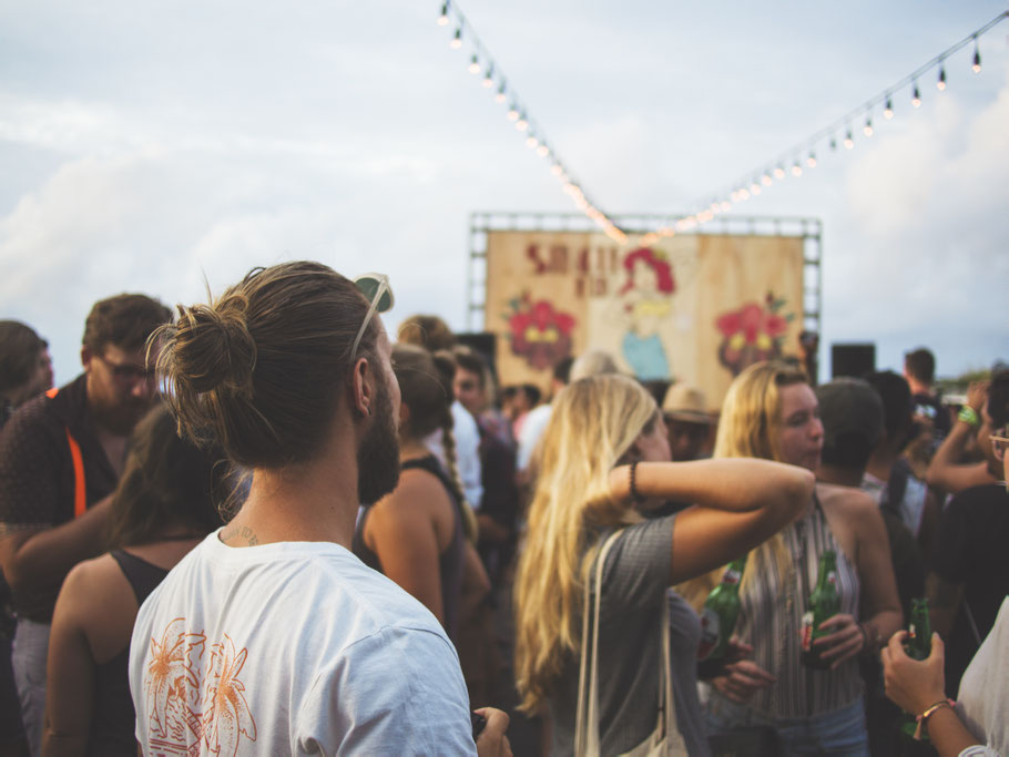 Festivaltrubel! Photo by Marvin Meyer on Unsplash