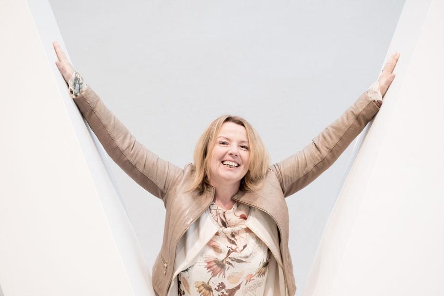 Doris Mauser online erreichbar - Visitenkarte Slogan:Dein  Business in Szene