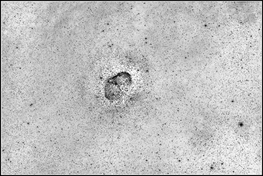 NGC 6888, Crescent-Nebel, Sichelnebel, LBN 203, H 4. 72, GC 4561 - invertierte Aufnahme MeixnerObservatorium