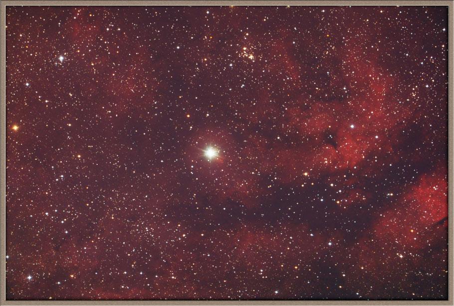 IC 1318, γ-Cygni-Nebel oder Schmetterlingsnebel und Stern Sadr  +  Dunkelwolke LDN 889 MeixnerObservatorium
