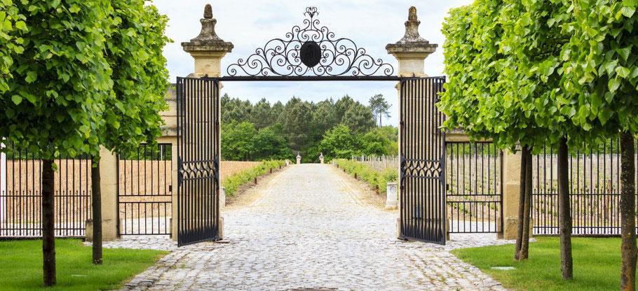 grilles d'un domaine viticole