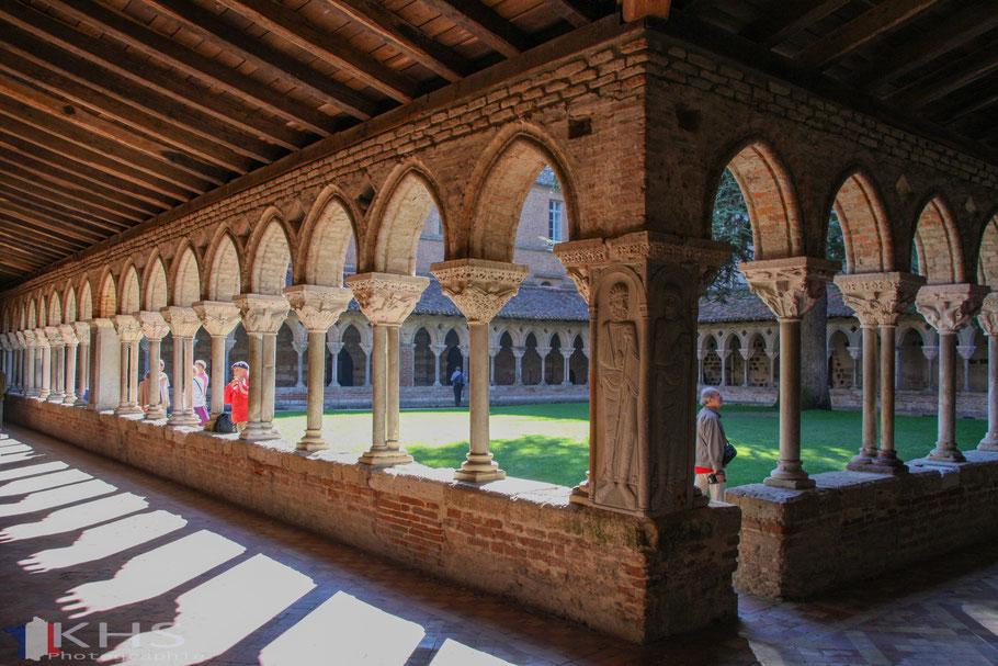 Bild: Der Kreuzgang des Benediktinerkloster Saint-Pierre in Moissac im Departement Tarn et Garonne