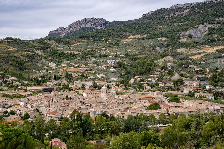 Bild: Blick auf Buis-les-Baronnies im Département Drôme