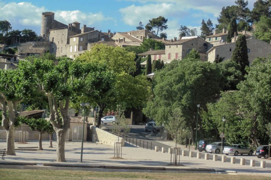 Bild: Blick auf das Dorf Eygalières