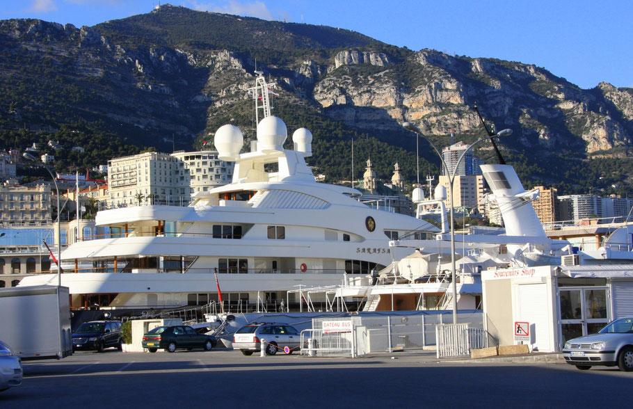 Bild: Jacht Sarafsa im Hafen von Monaco