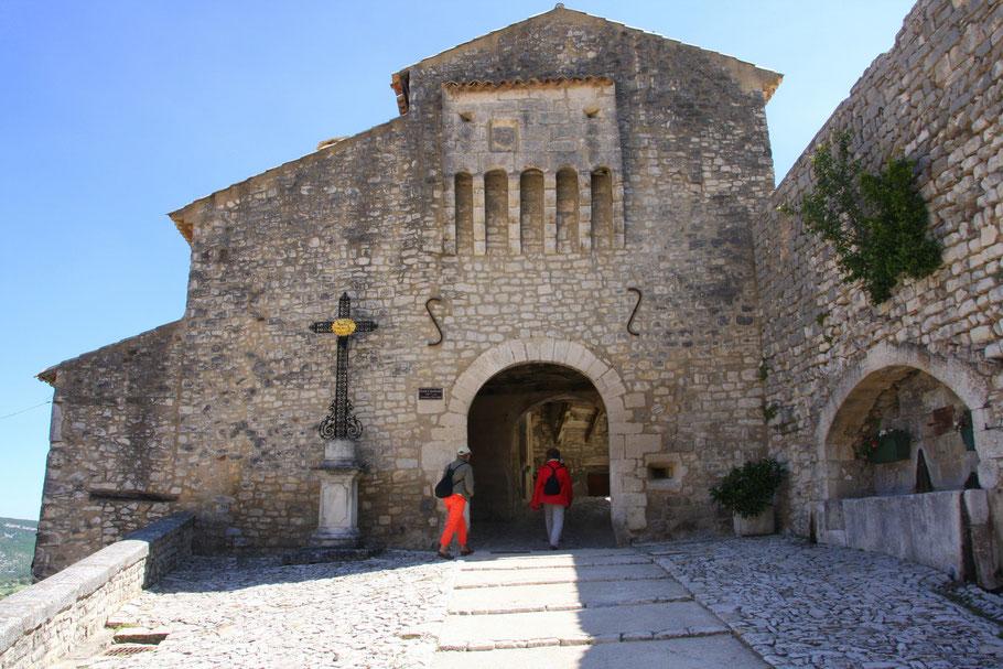 Bild: Portal der Pechnasen in Banon, Alpes de Haupt Provence
