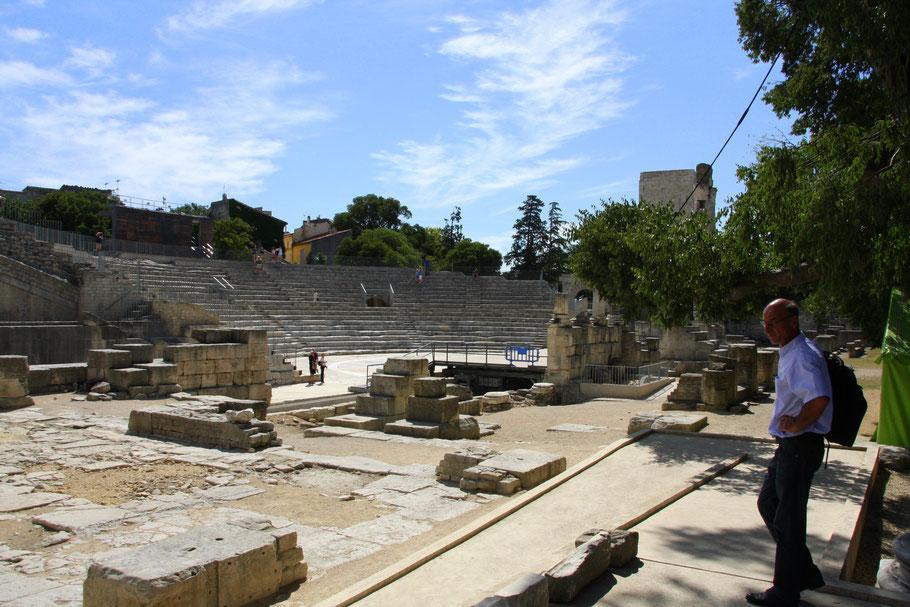 Bild: im antiken Theater von Arles