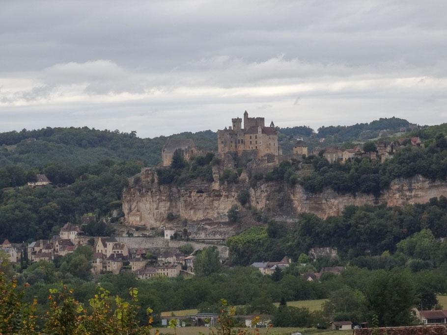 Bild: Blick auf Beynac et Cazenac