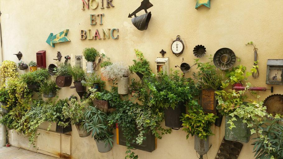 Bild: Mauerfasade in der Provence
